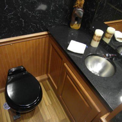 portable-toilet-porta-lisa-regal-black-interior.jpg