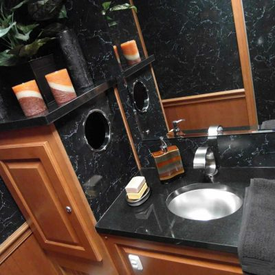 restroom trailers with fresh water sink
