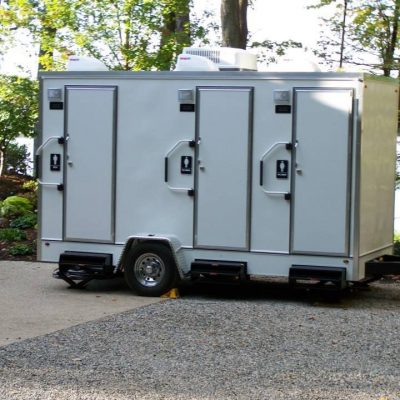 restroom-trailer-2-stalls-for-weddings.jpg