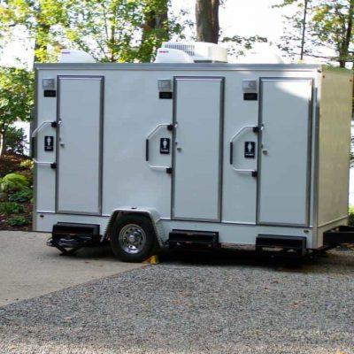 restroom-trailer-2-stalls-for-weddings.jpg