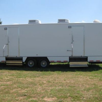 restroom trailer large unit