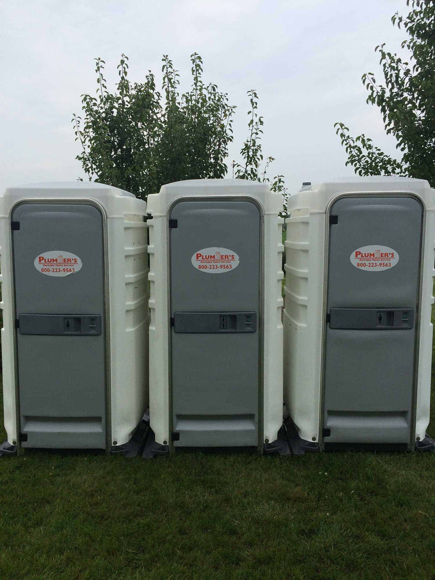 Portable toilets and restroom trailers grand rapids - Portable bathroom rentals for weddings ...